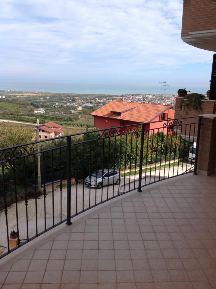 Case Vacanza in Vendita a Colonnella #1