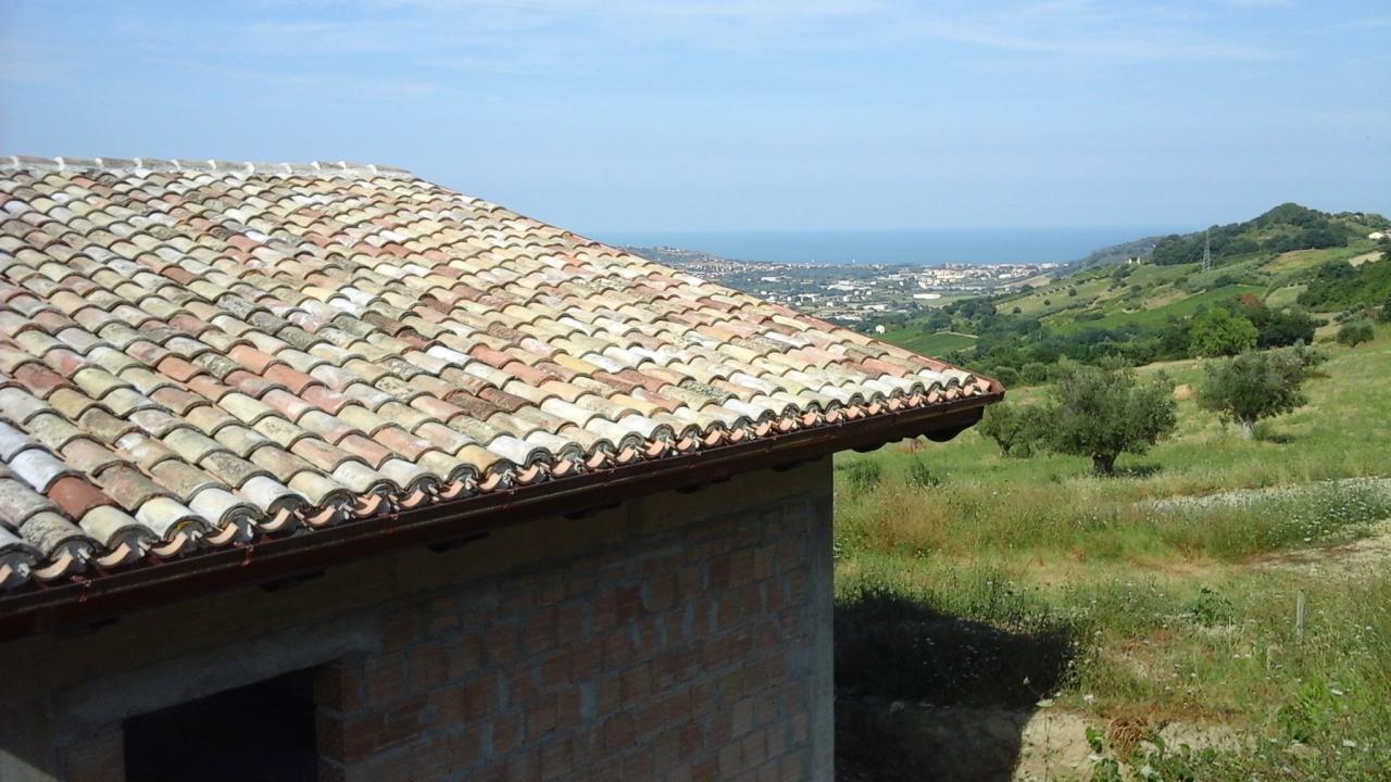 Terreno edificabile in Vendita a Montefiore dell'Aso #1